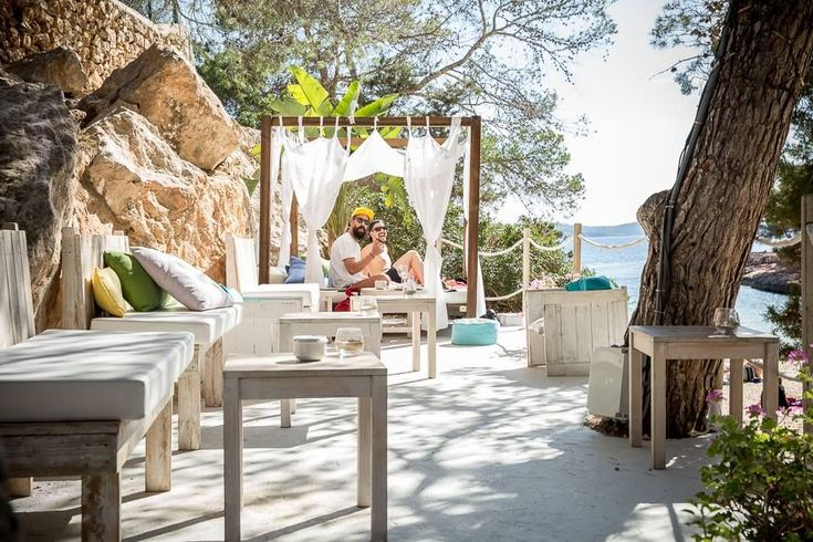 Charming Chiringuito Takes Beach Fare to New Heights