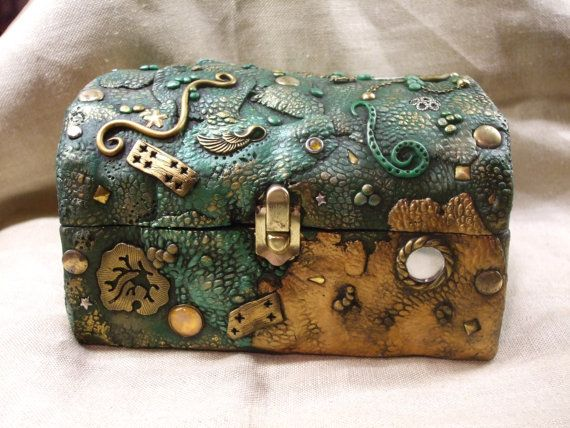 Dragon skin covered wooden box by ReevarooCreations on Etsy