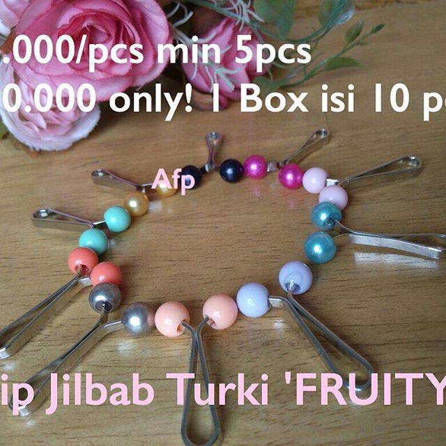 Fruity Clip Jilbab Turki Termurahhhh // Hanya 22.000/Pcs - pembelian minimal 5pcs , GROSIR 200.000/Box isi 10pcs -- Temukan Promo TERUPDATE dengan invite LINE@ : @pkp3549a // #clipturki #clipjilbabturki #cliphijab #hijabclip #turkishhijabclip #clipturkey #klipturki #kliphijabturki #jualhijabclip #jualclipjilbab #penjepitkerudung #penggantipeniti #penggantijarum
