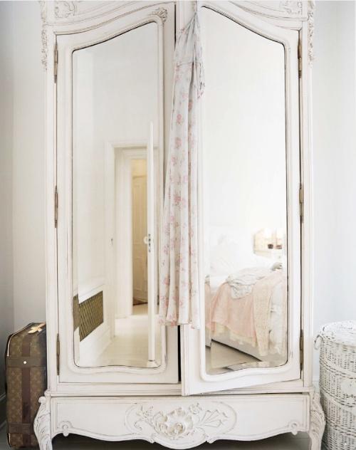 I love mirrors.