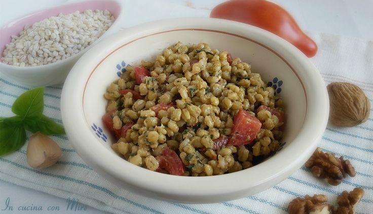 Orzotto in insalata ricetta vegetariana-fresco primo piatto