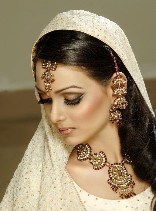 BRIDAL MAKEUP LOOKS & TIPS | Pin Dulhan Makeup 2012 Tips Pink Fashion Cake on Pinterest