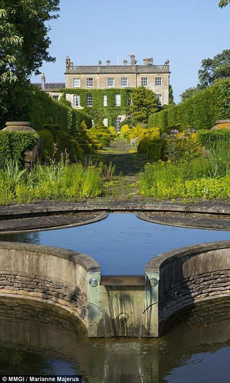 Les 26 meilleures images du tableau highgrove garden sur for Jardins anglais celebres
