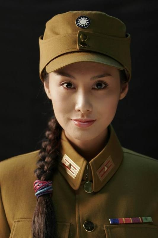Chinese Solider Femalel, CLICK ON http://pinterest.com/lsltheman2000/sexy-geek-you-will-love/ To See More Sexy Geeks>>>>>>> >>>>>>CLICK ON  http://pinterest.com/lsltheman2000/add-me/  TO BE ADDED.