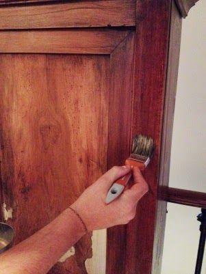 Comment transformer une vieille armoire relooker un - Transformer une armoire en bureau ...
