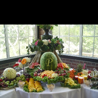 Gorgeous fruit display - here's how: http://www.vegetablefruitcarving.com/blog/wedding-fruit-displays/?pid=363