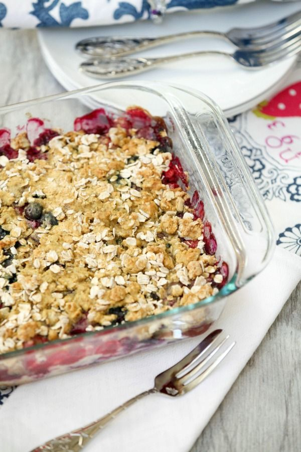 Red, White & Blue - perfect dessert to bring to the picnic. Strawberry Blueberry Cheesecake Crumble #Low Calorie, Low Fat, Healthier Dessert