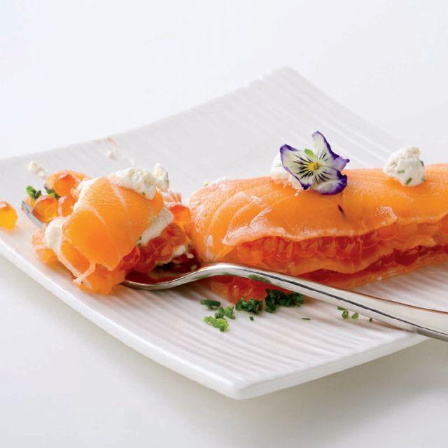 Carpaccio de salmón en milhojas