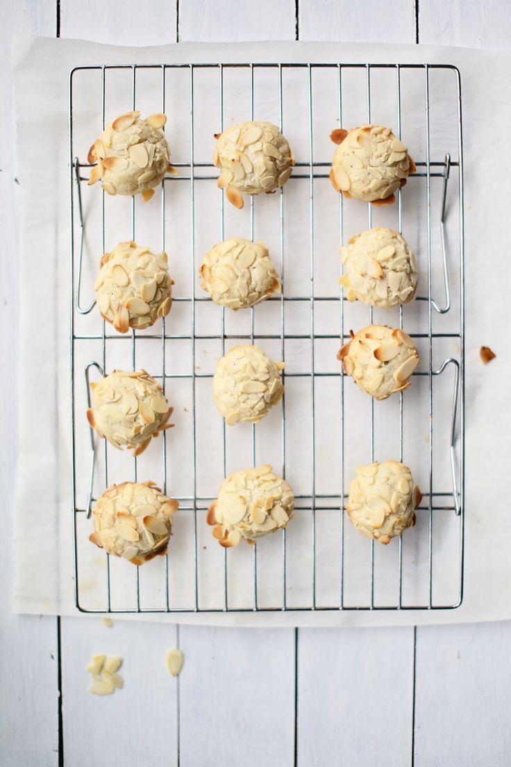 Almond-Cardamom Cream Cheese Cookies