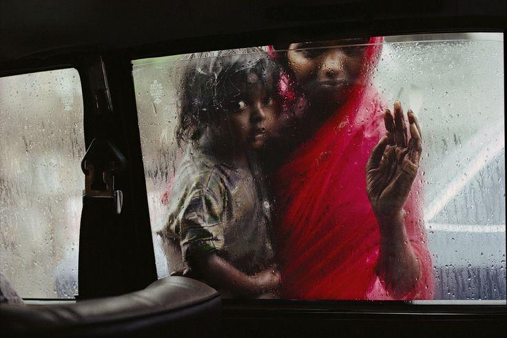 Beggar Girl, Bombay, India, 1993 ©SteveMcCurry