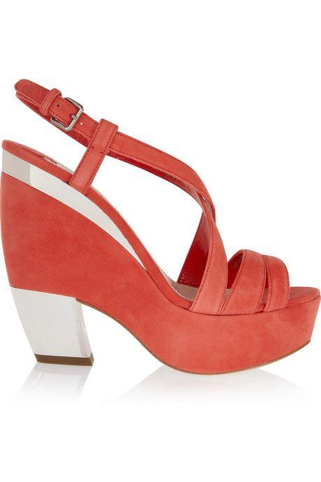 Mama likey.....    Miu Miu Wedges: Miumiu, Fashion Shoes, Miu Wedges, Wedges Shoes, Girls Fashion, Miu Miu, Wedges Sandals, Girls Shoes, Coral Wedges