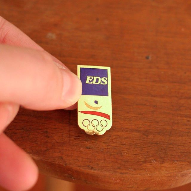 Vtg 1992 Barcelona Olympics EDS Electronic Data Systems Gold Enamel Pin Tie Tack