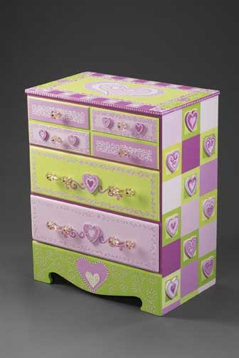 Small 3 drawer dresser in pink and green
