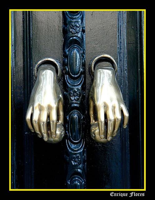 dual door knockers.  Sevilla  by Enrique Flores