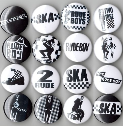 Ska, 2 tone, and trojan pins. I want them all. I had a lot of those pins in my youth . I love it !