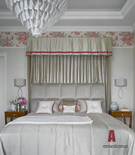 Фото интерьера спальни квартиры в стиле неоклассика #Bedroominteriors, #bedroomdesign, #beautifulbedrooms, #furniture, #architects, #decorators, #designers, #beds, #textiles, #interiordesign, #interiorstyles, #Интерьерыспален, #дизайнспальни, #красивыеспальни, #мебель, #архитекторы, #декораторы, #дизайнеры, #кровати, #текстиль, #дизайнинтерьера, #стилиинтерьера
