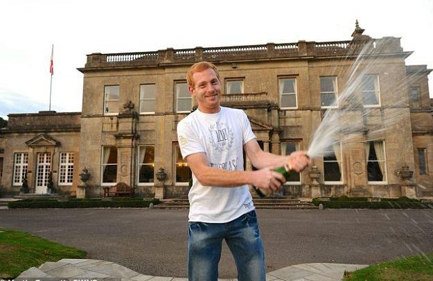 Ganhador da Euromilhões quase deixa de receber prêmio. Jogar na #loteria online tem suas vantagens...www.grandesloterias.com