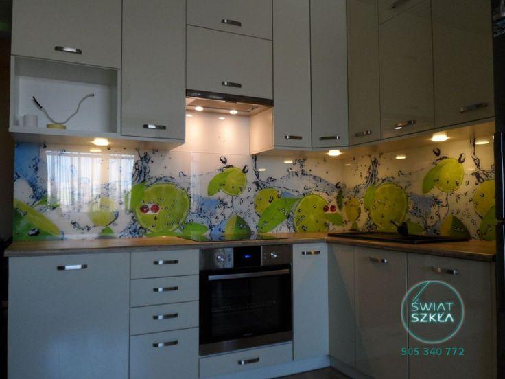 Limonki w kąpieli na szklanych panelach z grafiką
