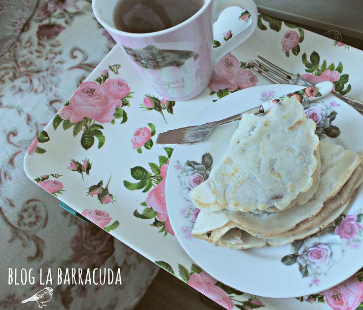 Pancakes and roses <3  http://bloglabarracuda.blogspot.com/2013/08/1.html