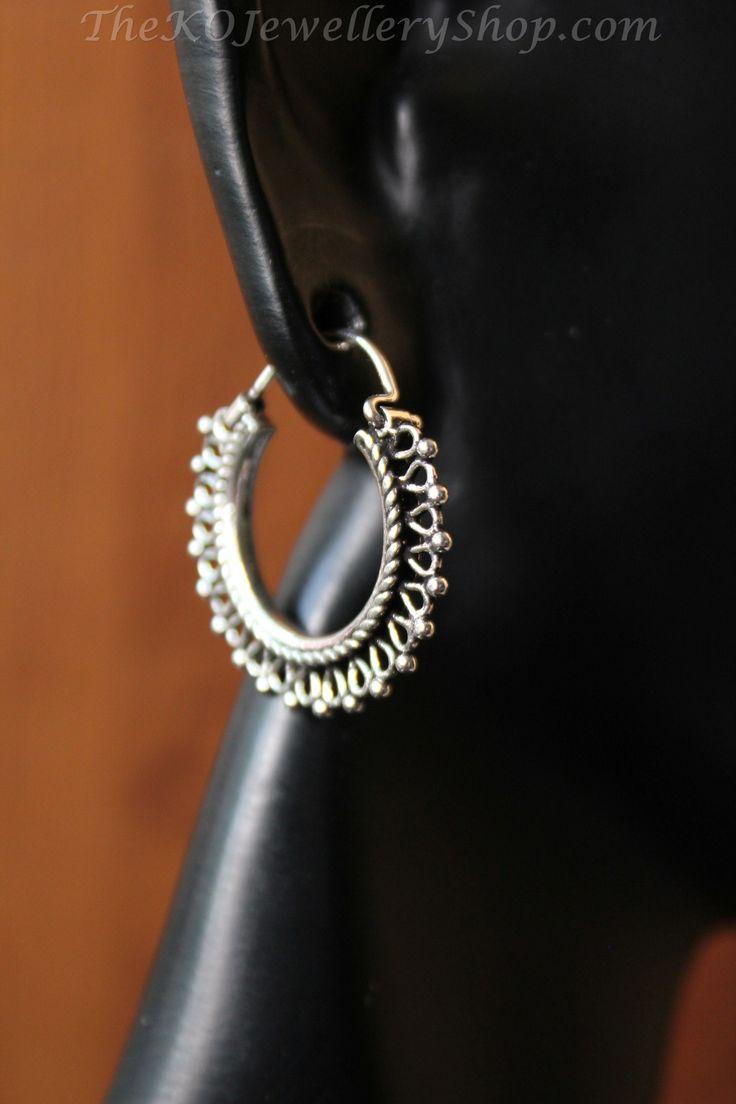 The Dyut Hoop Earrings Small