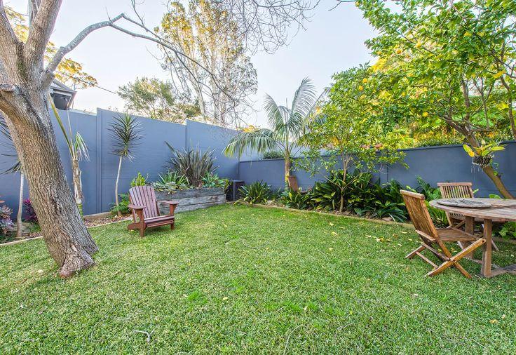 Backyard privacy boundary wall