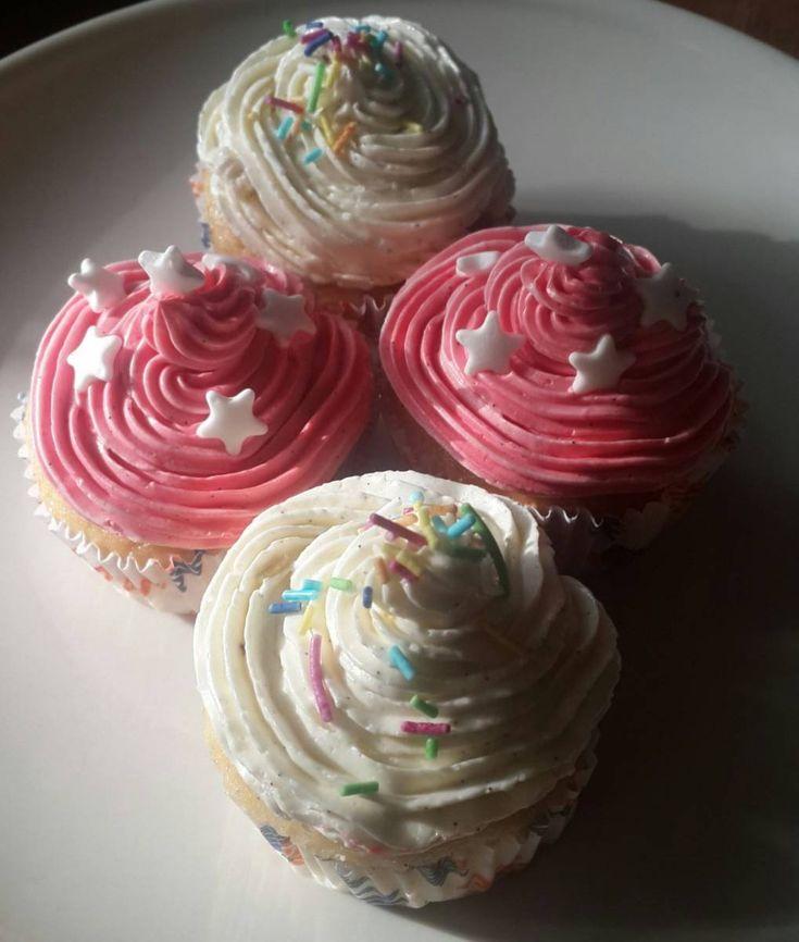 Çiçekli Tatlar isimli Mutfağımızdan Rengarenk Cupcakeler
