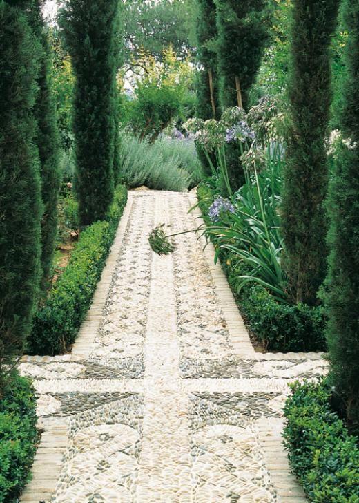 """Path in pebbles - garden of the Hotel Incosol in Marbella by Landscaper Manuel Garcia Ferreira; via Casa y Campo, article """"El patio de los poetas"""""""