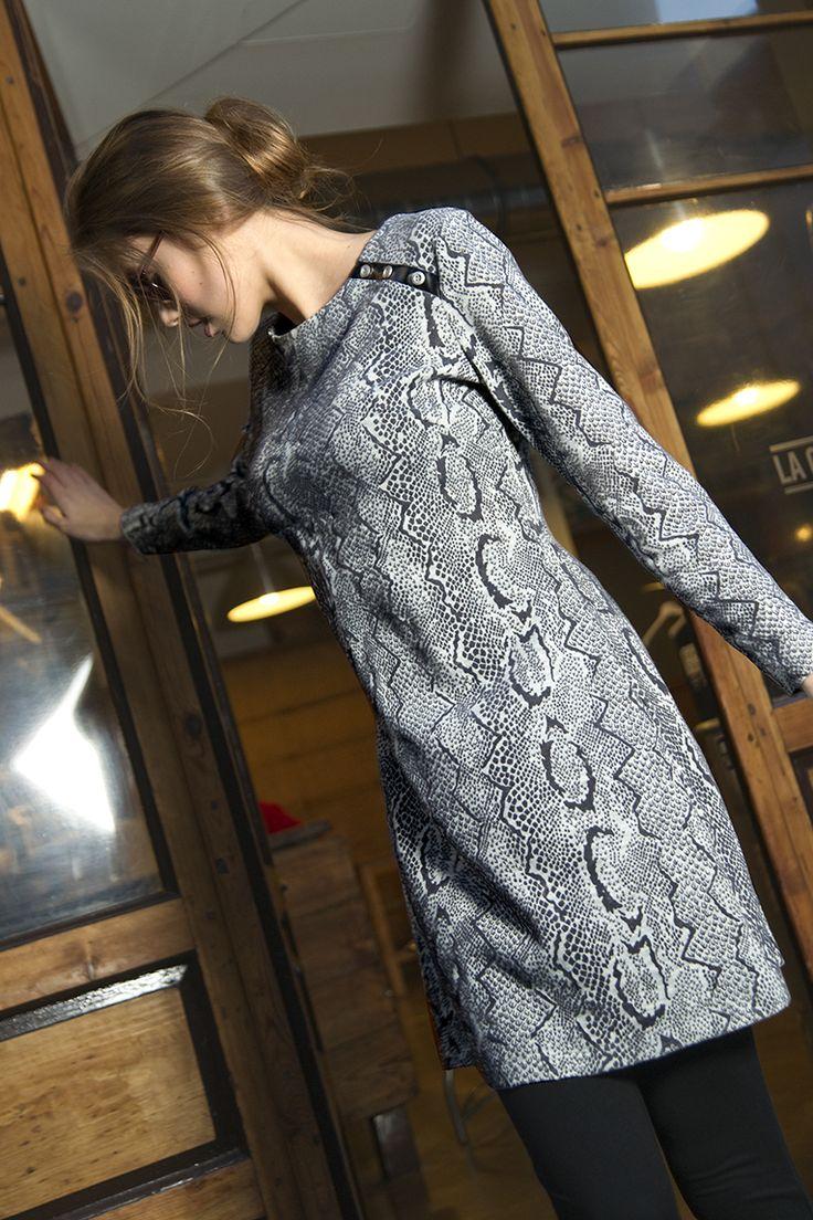 #señoretta #streetwear #homewear #home #fashion #womanfashion #style #styletips #pijamas #stylish #fashionista #print #animalprint #snakeprint #printanimal #details #leather #soft #dress #woman