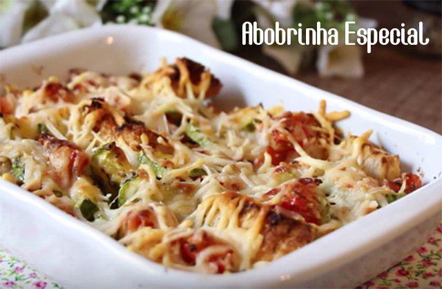 Essa receita é tipo uma salada quente de abobrinha. Rapidíssima de fazer, ingredientes bem comuns e surpreendente de tão boa! Ainda tem a vantagem de utilizar aquele pão francês velhinho que você n…