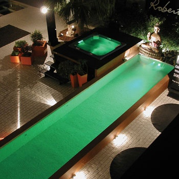 Swimming Pool Lighting Makes For An Amazing Nighttime Swim!