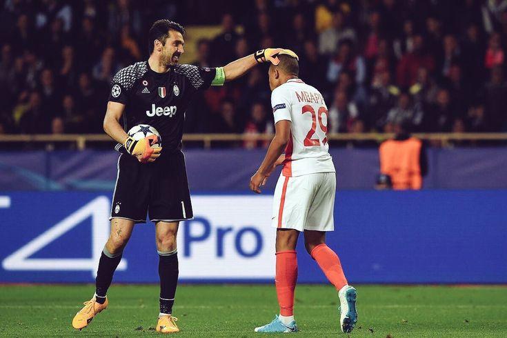 Max Allegri e Gigi Buffon intervistati da Premium Sport nel dopo partita di Monaco-Juventus 0-2, andata di semifinale di Champions League. Il risultato ott