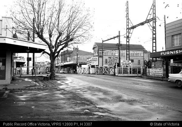 GATES BOX HILL HIGH STREET 2ND SEPTEMBER 1968 - Public Record Office Victoria