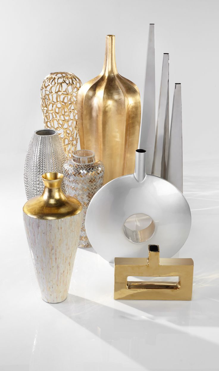 Bright vases trays dishes aroma lamps mirrors in beautiful frames - Vases For Every Style