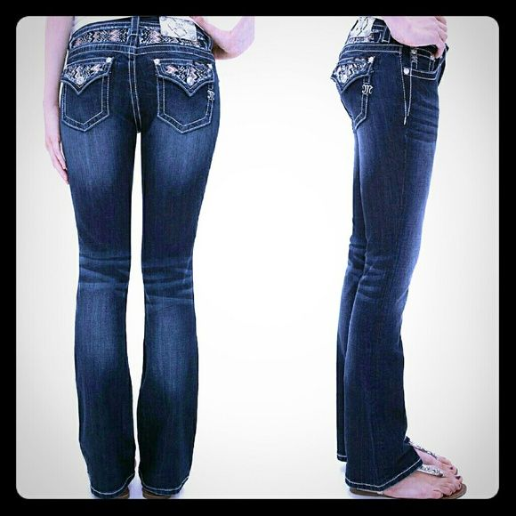 "Miss me jeans New no tag.. ""mid rise boot"" ....inseam 31 in  BUNDLE TO GET 20% OFF ENTIRE CLOSET Miss Me Jeans Boot Cut"