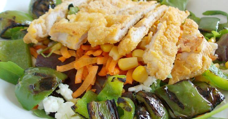 Salada de Bife de Peru Panado com Pimentos Grelhados