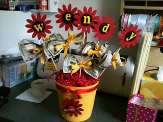 Money Gift flowers that can spell a name or message