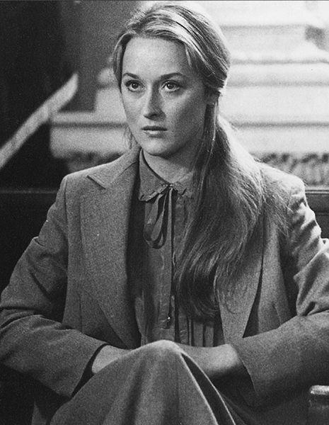"""No filme """"Kramer vs. Kramer"""" (1979), a atriz viveu o papel de Joana, uma mãe que luta pela guarda do filho depois de uma separação. Ganhou seu primeiro Oscar, o de Melhor Atriz Coadjuvante"""