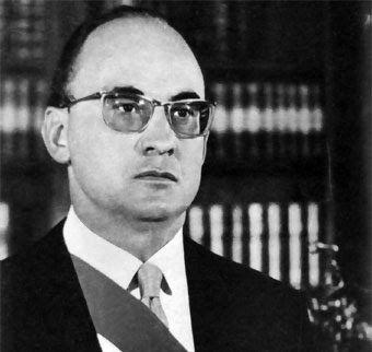 El presidente Luis Echeverria Alvarez