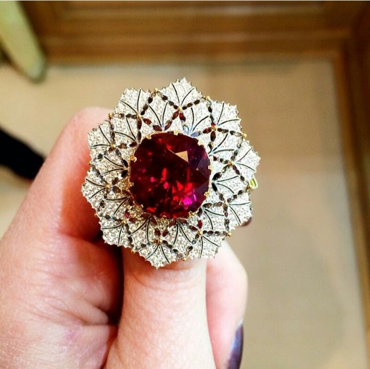 Buccelati diamond and tourmaline ring