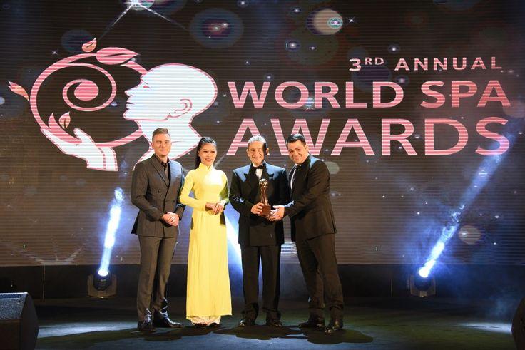 Santo Maris Oia Named 'Greece's Best Resort Spa' for 2017
