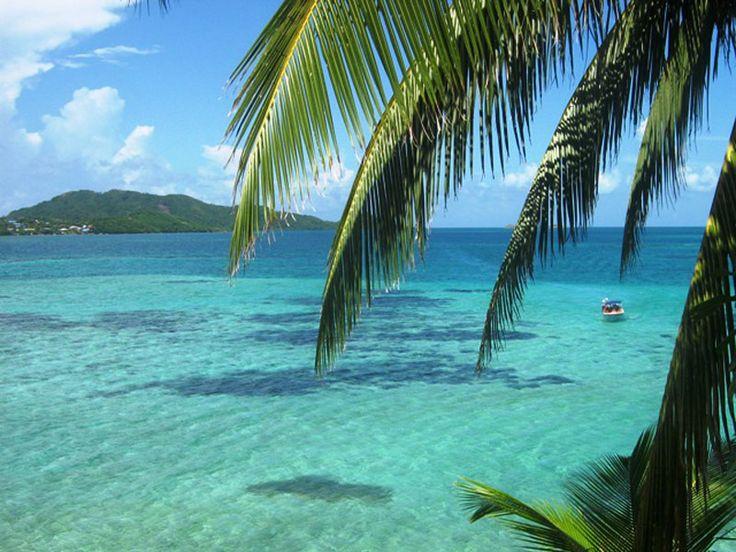 Ubicada a 72 kilómetros al norte de San Andrés, la isla de Providencia es un destino único declarado por la UNESCO la Reserva de la Biosfera.