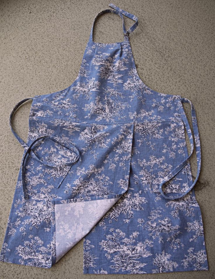 Coryna S Split Leg Potter S Apron Ready To Wear Sewing