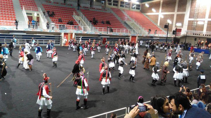 Εορταστική εκδήλωση για την ένταξη των Μωμόερων στον Αντιπροσωπευτικό Κατάλογο Στοιχείων της Άυλης Πολιτιστικής Κληρονομιάς της UNESCO, πραγματοποιήθηκε στοΚλειστό Γυμναστήριο Λευκόβρυσης Κοζάνης, το βράδυ του Σαββάτου. Δείτε φωτογραφίες και βίντεο ...