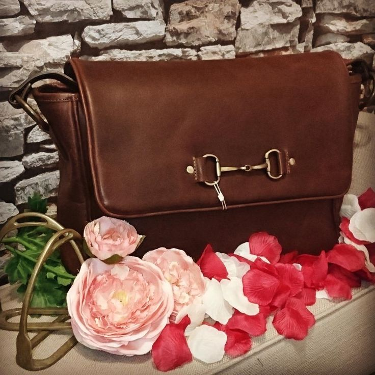 Gorgeous messenger bag from Grays Equestrian in Buffalo Leather! | Brown leather handbag | Snaffle bit detailing | Equestrian Theme | Leather bag | Style | Fashion | Love | Lofthouse Equestrian