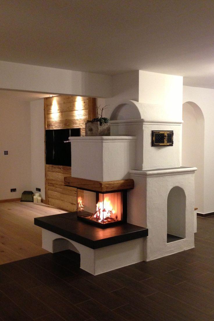 Ein weiterer schöner 3-seiter, den wir vor kurzem gebaut haben. Entworfen hat den Heizkamin unser Kollege Georg Singer, der nicht nur kreativ ist, sondern sich auch exzellent in die Kundenwünsche hineinversetzen kann. #Heizkamin #Fireplace #schöne Öfen #moderne Öfen #Vereinigte Riederinger Hafnerei, # www.ofenkunst.de