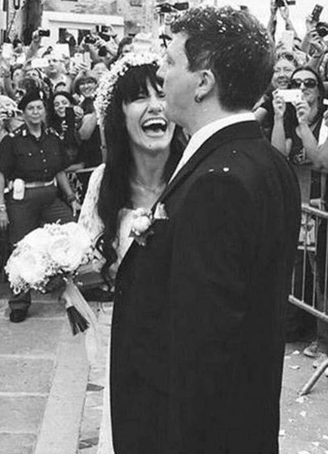 GRADO La cantante Elisa si è sposata con il suo Andrea: la coppiasi è promessa eterno amore sulla Basilica di Sant'Eufemia a