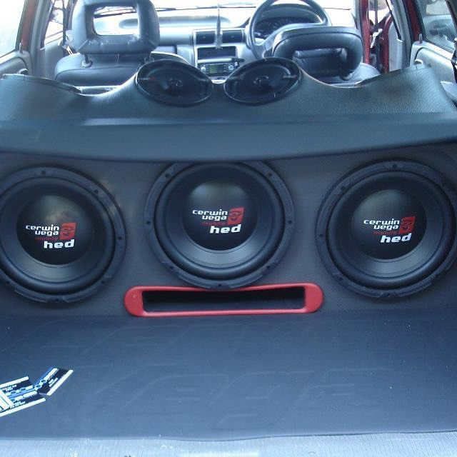 Thanks to @autosoundgezina for this beastly setup with Cerwin Vega Mobile HED…