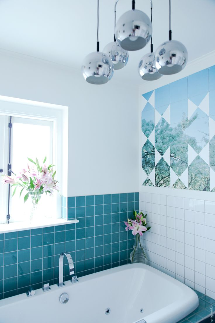 ixxi in my bath room (Iris Vank / enigheid). Analogue picture of blossom trees and some added triangles.