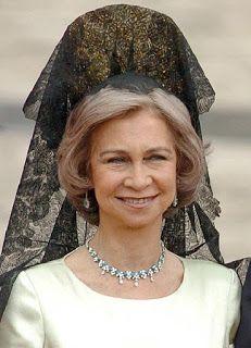 En el Palacio de Luz: ESPAÑOLEANDO CON LA MANTILLA PUESTA