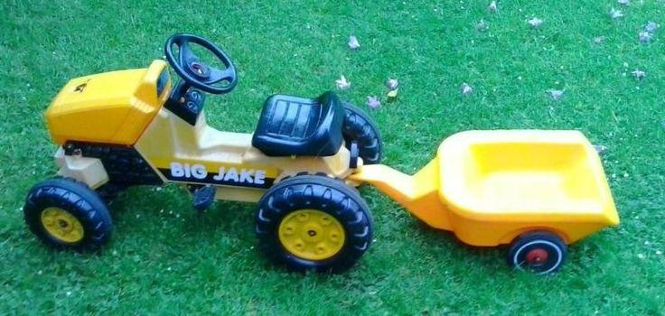 Verkaufen den Spielzeugtraktor von BIG unseres Sohnes mit Anhänger. Ist schon in die Jahre...,BIG JAKE Traktor mit Anhänger (gelb) in Hamburg - Hamburg Blankenese